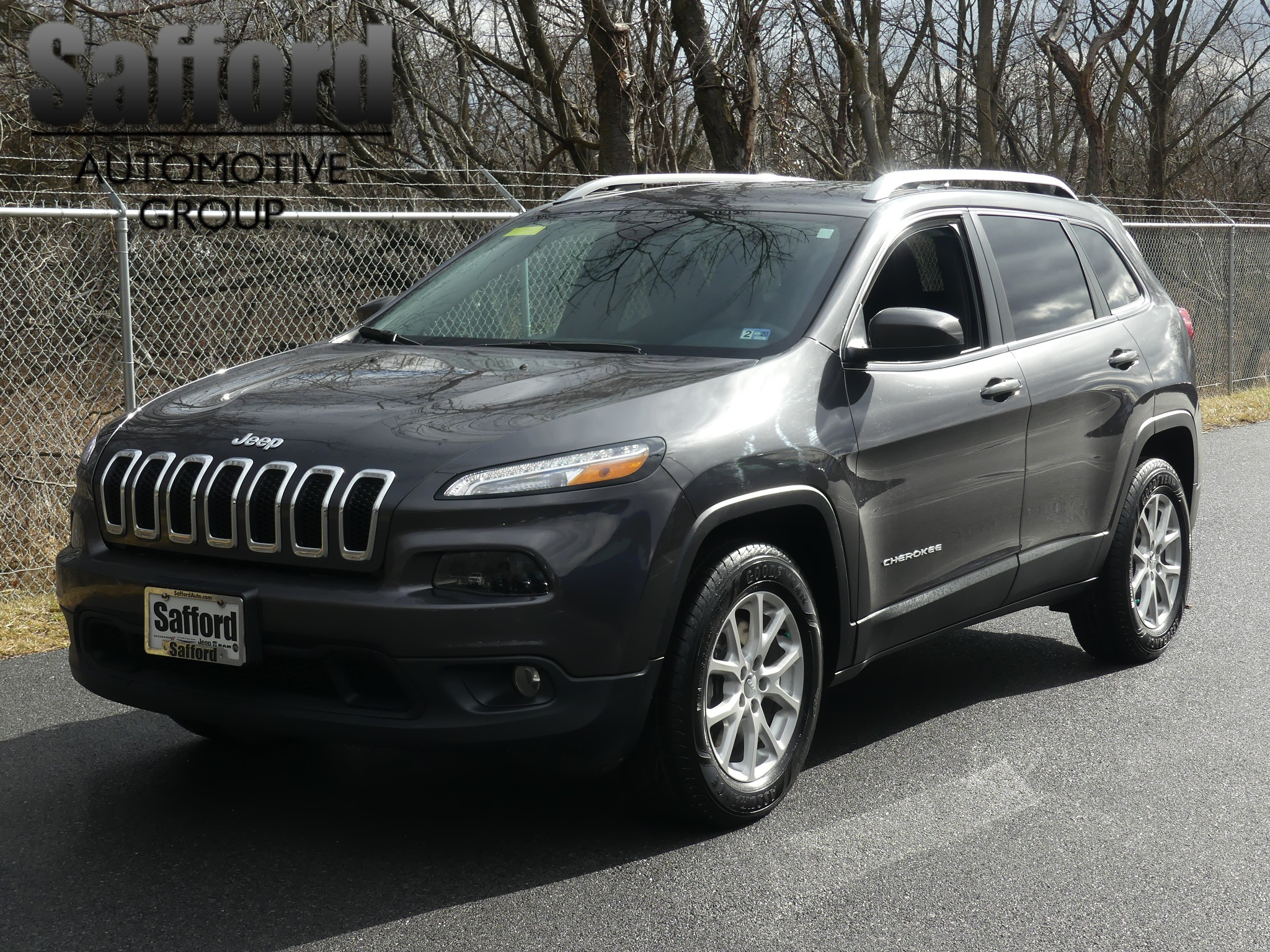 pre-owned 2016 jeep cherokee latitude sport utility in
