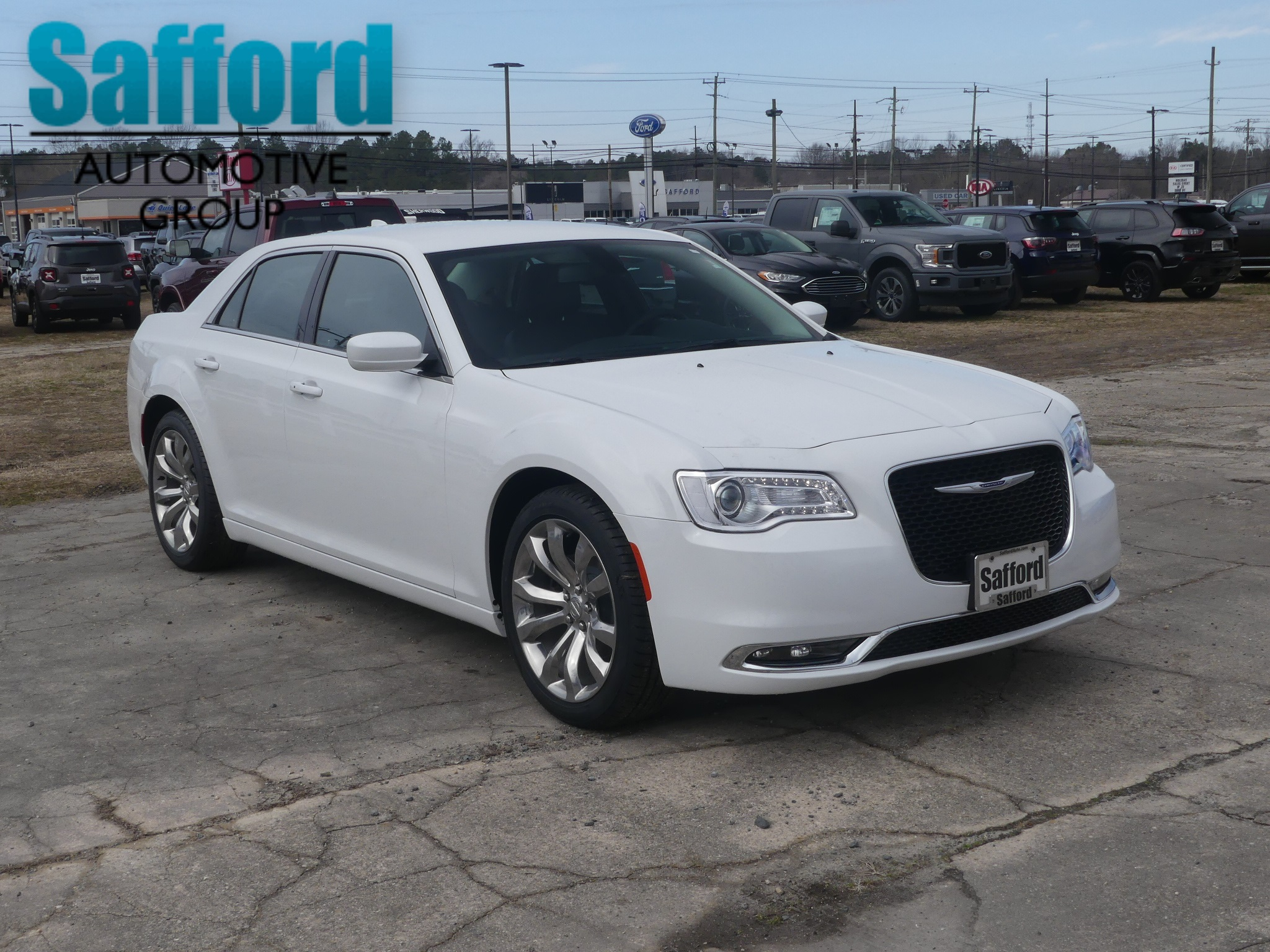 New 2019 Chrysler 300 Touring Sedan In Fredericksburg Kh563395